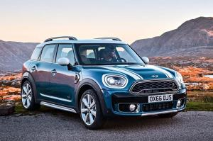 2017-Mini-Countryman-Cooper-S-ALL4-front-three-quarter-20
