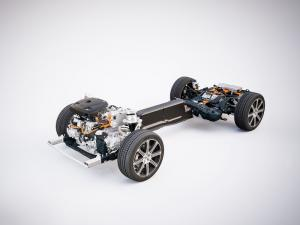 205095 The new Volvo XC60 T8 powertrain